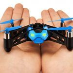 Minidrone Parrot Rolling Spider pequeño y manejable
