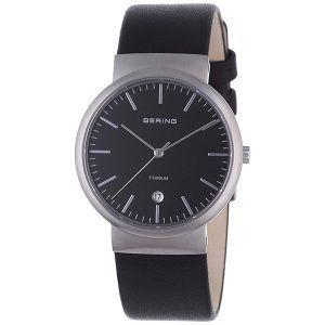Reloj analógico con correa de piel y esfera de titanio Bering