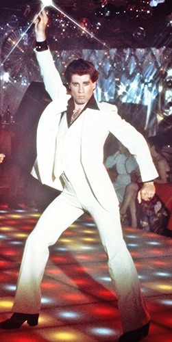 Con el disfraz de Tony Manero, emularás a Travolta en Fiebre del Sábado Noche
