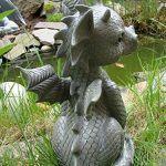 Figura de dragón para jardín vista trasera